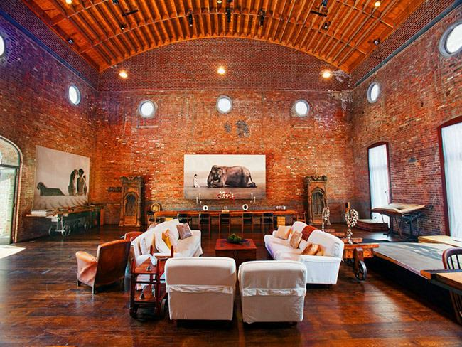 red-brick-room