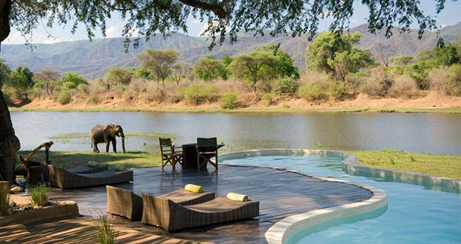 slider_chongwe_river_house_pool