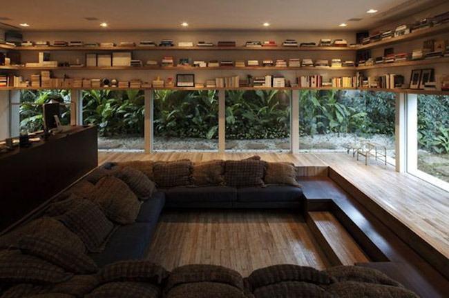sofa-and-boks