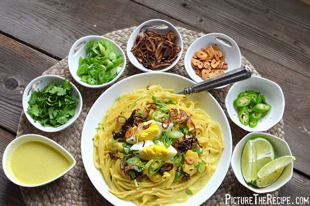 Khaw Suey (Burmese Coconut Curry)