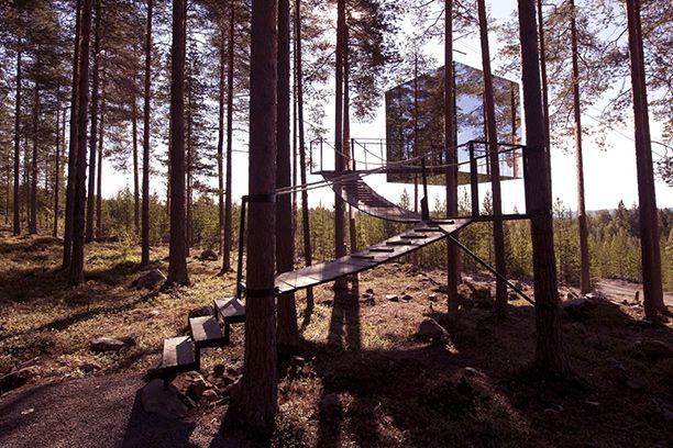 The Mirrorcube Hotel, Hardas, Sweden