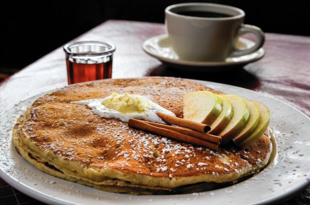Apple-Spice-Pancakes-chicago-640x424