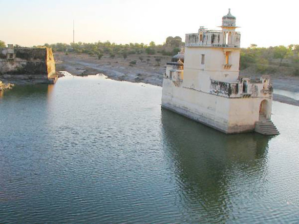 Chittorgarh-Padmini-Lake-Palace