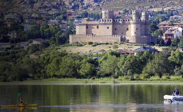 Day trip to Manzanares el Real
