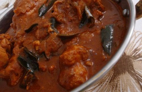 Nadan Kozhi Varutha tu Tasty Food of Kerala