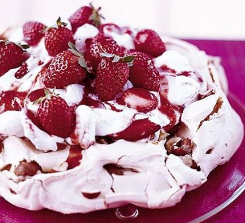 Pavlova Authentic Australian Food