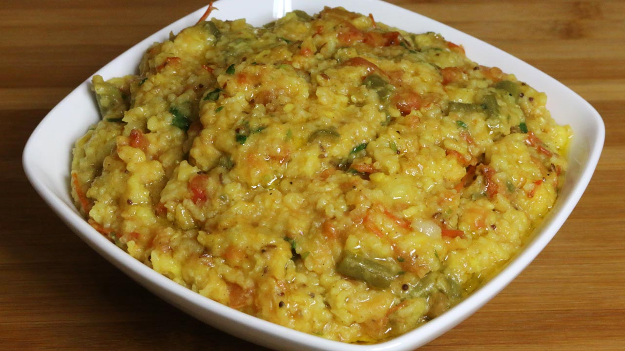 14 flavorsome gujarati foods that just cant be missed flavorverse vaghareli khichdi staple gujarati food forumfinder Image collections