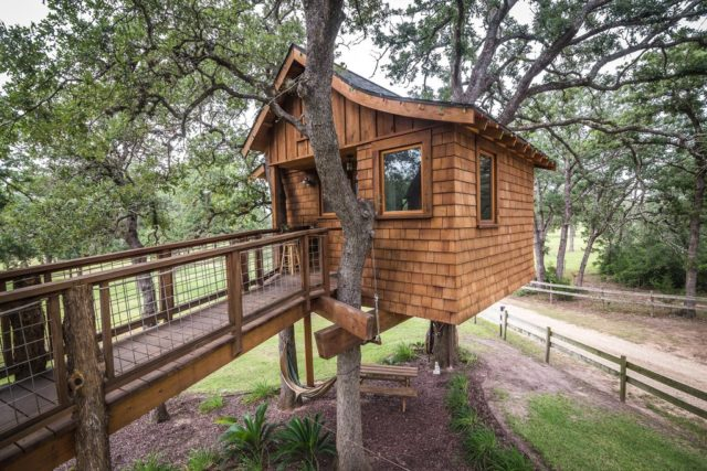 Texas Tree House at Davis Ranch Retreat Waelder