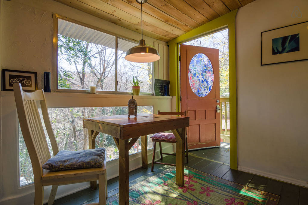 fredericksburg bliss and cedar cherokee texas tx guesthouses large breakfasts in bed cabins roost