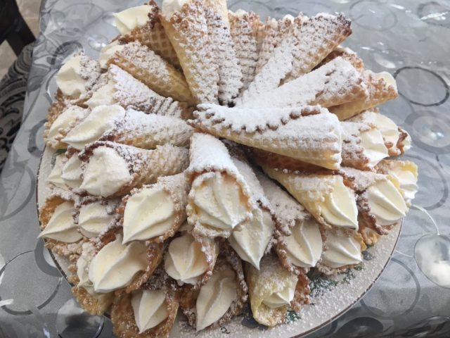 Trubochki Classic French Dessert