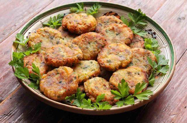Aloo Tikki Pakistani Street Food