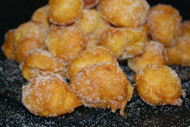 Bunuelos de Vinto Desserts from Cuba