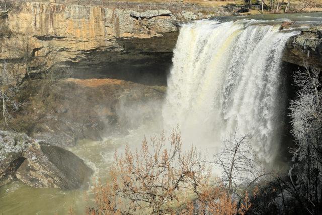Waterfall Alabama Noccalula Falla
