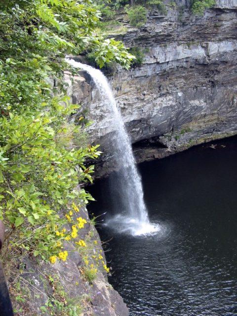 Waterfall in Alabama DeSoto Falls