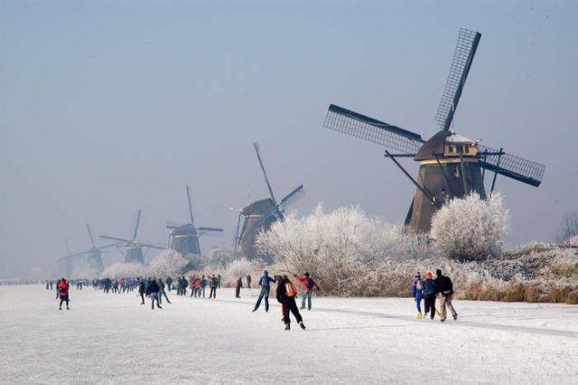 Day Trip from Amsterdam Kinderdijk