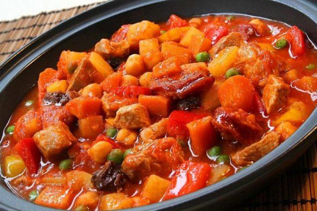Menudo Filipino Food