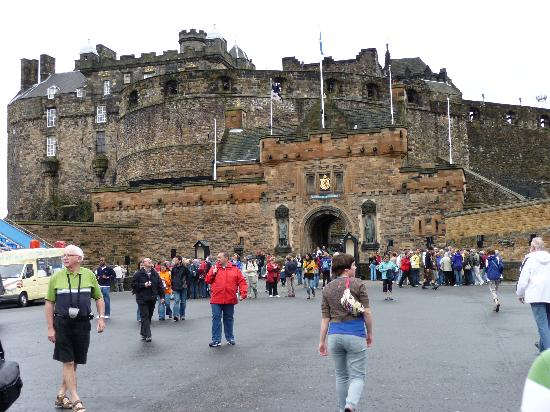 Scariest Places on the Earth Edinburgh Castle