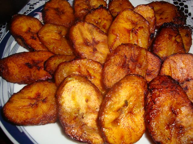 Platanos Maduros Easy 2-ingredient Fried Sweet Plantains