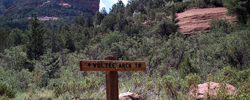 Hikes in Sedona Vultee Arch Trail
