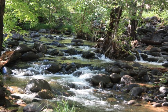 Hiking in Sedona Huckaby Trail