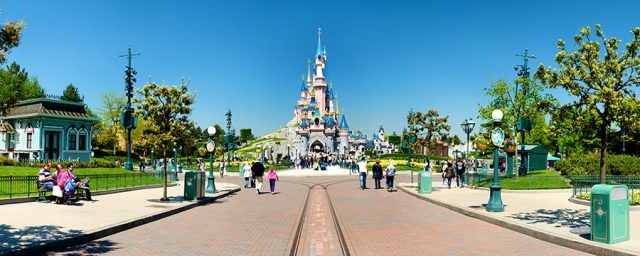 1 Day Trip to Disneyland Paris