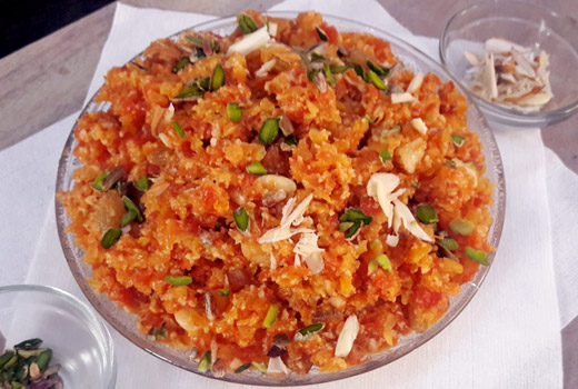 Gajar Ka Halwa Simple Indian Carrot Dessert