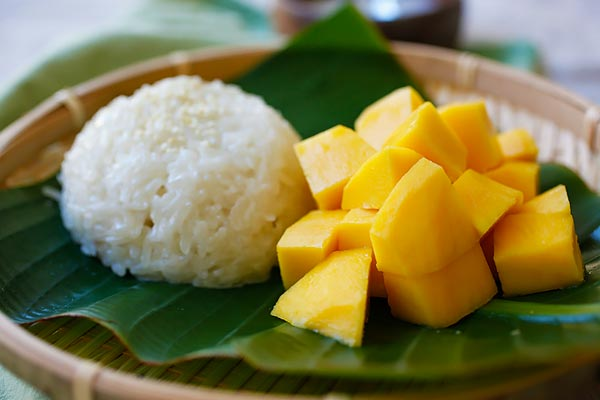 Best Khao Neeo Mamuang – Traditional Thai Sticky Rice Dessert