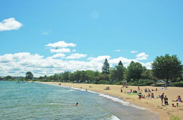 Michigan Beaches Clinch Park