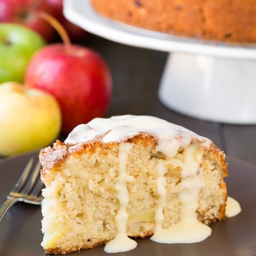 Apple Cake – Common Dessert for Holidays & Parties