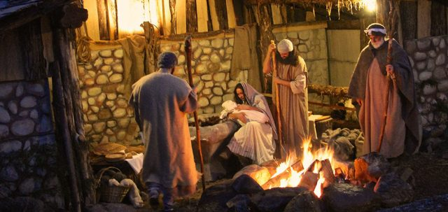 Free Things to See Cincinnati Bethlehem Village Nativity Winter Christmas