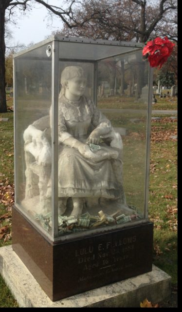 Graceland Cemetery Haunted Place in Chicago