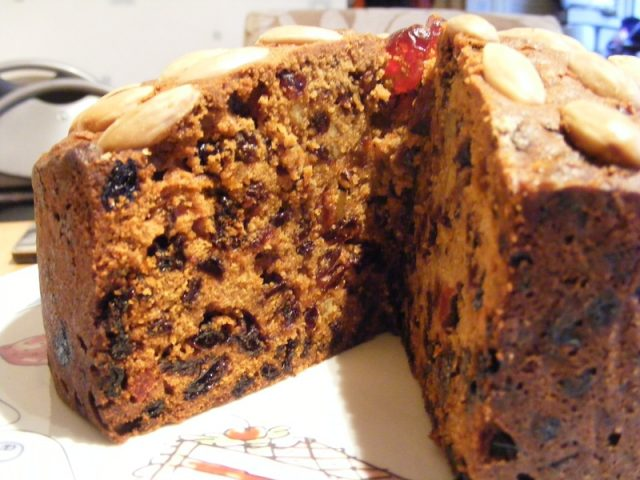 Scottish Dundee Cake – Traditional Fruits