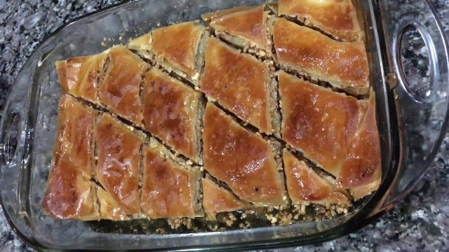 Baklava – Popular Pastry Desserts Food