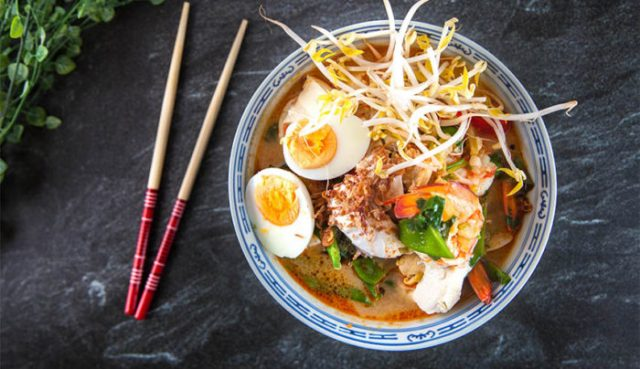 Traditional Non-Vegetarian Soup Laksa
