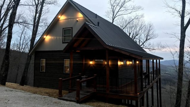 Buffalo River Vacations LLC Treehouse in Arkansas
