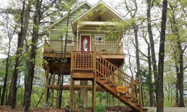 Enchanted Treehouses in Arkansas