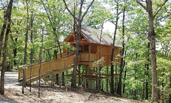 Hansel and Gretel Enchanted Treehouses in Arkansas