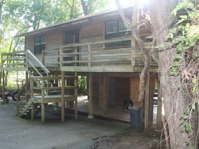Peaceful Treehouse Rental in Arkansas