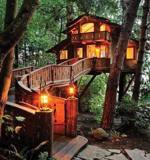 Treehouse Cottages in Eureka Springs