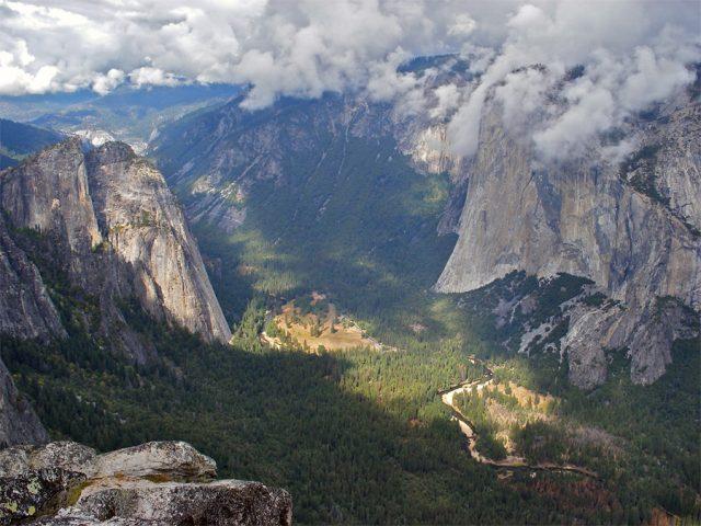 El Capitan Hiking Trail Yosemite National Park CA