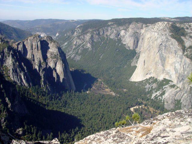 El Capitan Yosemite National Park CA Hiking Trail