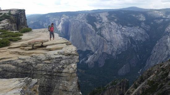Yosemite Hiking Trail El Capitan National Park CA