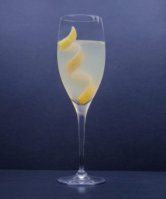 French 75 Drink Champagne