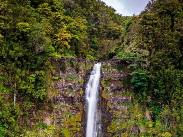 Laie Easy Waterfalls Hikes in Oahu