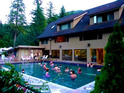 Best Belknap Hot Springs in Oregon