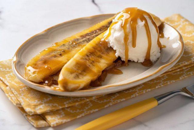 Banana Foster Classic American Dessert