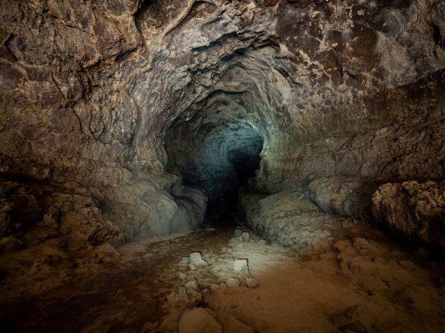 Best Derrick Caves in Oregon