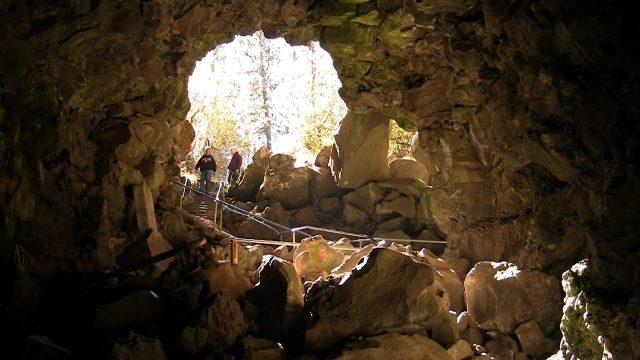Lava River Caves to Explore in Oregon