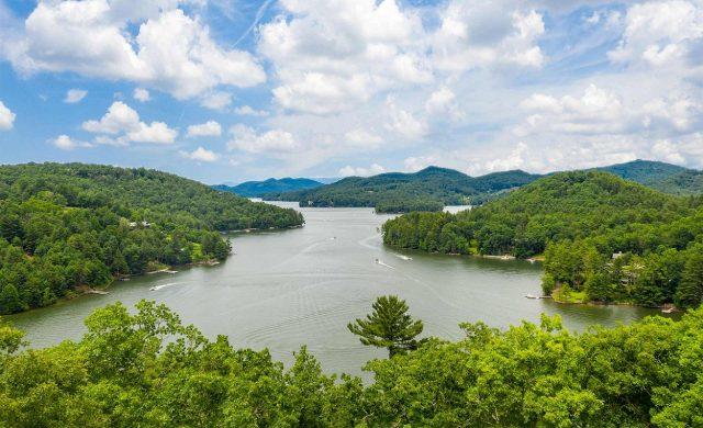 Lake Glenville in North Carolina