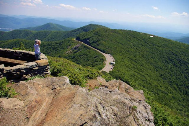 Craggy Pinnacle Trailin in Western North Carolina